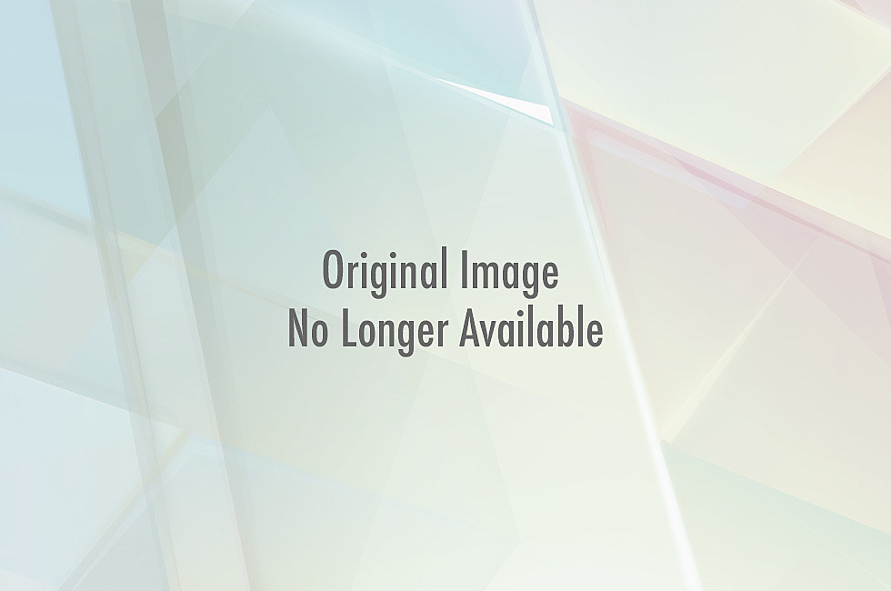 CoupleKissing-sunlight-300x200