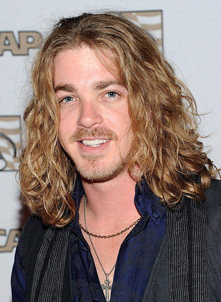 Bucky Covington S Tour Bus Involved In Head On Collision